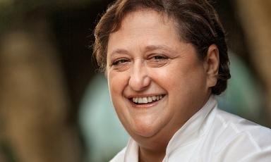Valeria Piccini, chef del ristorante Da Caino a Montemerano (Grosseto), 2 stelle Michelin dal 1999. LA cuoca cucinerà a Identità Golose Milano da mercoledì 30 gennaio a sabato 2 febbraio. 75 euro a testa, vini inclusi. Prenotazioni online