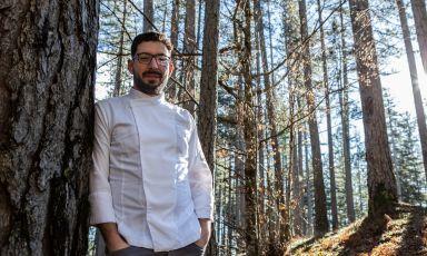 Antonio Biafora, 35 anni, da gennaio 2020 chef diHyle in località Torre Garga, aSan Giovanni in Fiore (Cosenza). E' la Sorpresa dell'anno per la Guida di Identità Golose 2021(foto Eugenio Avallone)