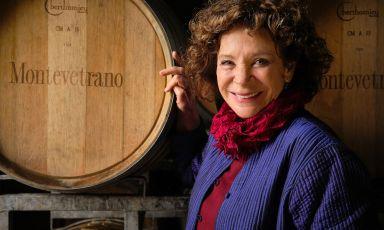 Silvia Imparato nella bottaia dell'azienda Montevetrano, aSan Cipriano Picentino (Salerno)