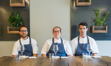 Jonathan Signorelli,Cinzia Musmetti eWilliam Bertocchi, i 3 chef, tutti sotto ai 30 anni, del Nasturzio di Desenzano ad Albino (Bergamo). Foto diStefano Borghesi