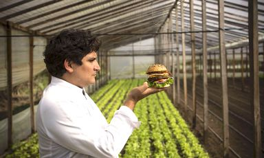 Mauro Colagreco: give me a burger and I'll change the world. The talented Giovanna Abrami explains how in this piece