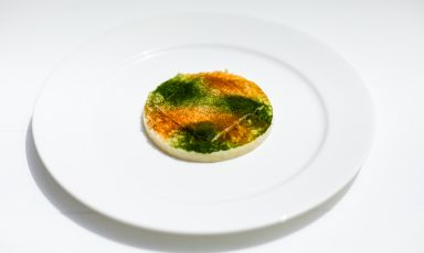 Risotto aglio, olio, prezzemolo e ricci: il piatto del 2021 di Ludovico De Vivo