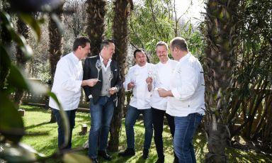 Il pokerissimo di casa Cerea nel verde dello Splendido a Portofino. Da sinistra verso destra: Chicco e Francesco Cerea, Roberto Villa, Paolo Rota e Bobo Cerea
