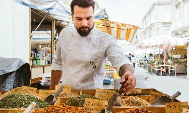 Vincenzo Di Falco, chef e patron del ristorante Civico 25 a Ortigia, Siracusa