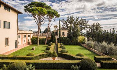 Castel di Nero a Barberino Tavernelle in Chianti, ultima acquisizione del gruppo Como di Singapore, la prima insegna nell'Europa continentale dopo le due di Londra