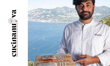 """Francesco Sodano con la sua Lardiata di totano. «È un prodotto prettamente locale, si chiama """"totano di Capo d'Orso"""", esemplari do 10-12 anni e 15 chili, enormi», lo chef vi ricava attraverso il dry aging dei """"salumi"""", «con la parte centrale del corpo un lardo; i tentacoli diventano un chorizo con pimento affumicato e non, peperone crusco espezie tandoori; poi c'è anche la bottarga, una rarità»"""