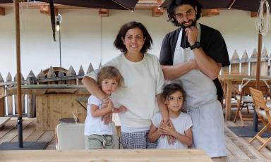 Riccardo Gaspari e Ludovica Rubbini, con i due figli, sono il cuore del SanBrite, a Cortina d'Ampezzo (Belluno)