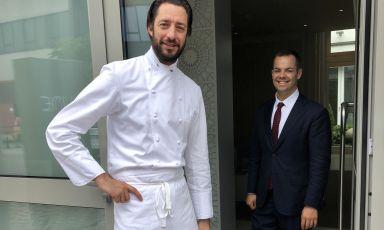 Luigi Taglienti, 40 anni, chef di Lume a Milano, una stella Michelin. Con lui nella foto, Federico Recrosio, maitre di sala
