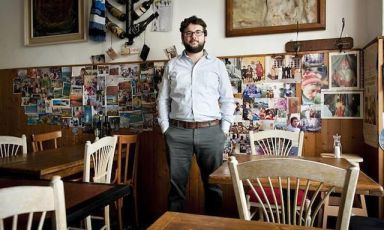 """Luca Iaccarino, torinese, classe 1972. E' food editor della casa editrice""""Edt"""", responsabile della collana de """"I Cento"""" e collaboratore di """"Repubblica"""""""