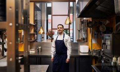 Nicola Bonora.Classe 1990, sardo di Oristano, ha preso le redini della cucina diSerica,Milano