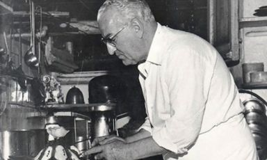After the war,Giacomo Bergese, akaNino(Saluzzo, 1st January 1904 – Genoa, 1st January 1977), also known asThe chef of kings, and the king of chefs, openedLa Santain Genoa. He left it only because of tiredness. In the last years of his life, he found the time to design the cuisine atSan Domenicoin Imola, leaving as his heritage theEgg in raviolo, one of the ten dishes that marked the history of Italian cuisine from the 60s onwards