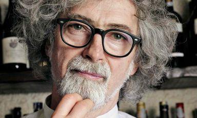 Vittorio Fusari è venuto a mancare il primo gennaio 2020. Il giorno successivo in un articolo(leggi: Le Maschere e il Volto: Vittorio Fusari nelle pagine della cucina italiana) abbiamo raccontato la sua figura nell'ambito della cucina italiana