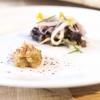 Il piatto della lezione di Alex Atala: petto di vitello (brisket) con bacuri e cipolle pickled