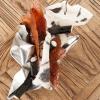 Snacks della cena di Camanini:Alga nori e mortadella,Riso soffiato, nero di seppiaeParmigiano tostato all'anice stellato(tutte le foto sono di Brambilla-Serrani)