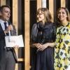 Il miglior chef pasticcere: Sara Simionato, Antica Osteria Cera, Campagna Lupia (Ve), premiata da Enrico Berto, presidente di Berto's Cucine