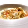 Tortellini di tamarindo, doppia panna e angustura: bellissimo ribaltamento di un piatto della tradizione