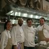 Gennaro Esposito e Ugo Alciati con gli assitenti di cucina al Ristorante della Pasta