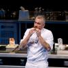 Visione frontale di Alex Atala, cuoco del DOM di San Paolo e vecchia conoscenza di Identità Golose, palco su cui tornerà il 5 febbraio 2012