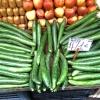Mega-cetrioli al mercato della verdura: anche per questo l'insalata greca è così buona