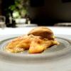 Squisito dessert: Crépes di angelica, assenzio, cicoria e arancia. Seguirà come coccola finale un Macaron con cioccolato bianco e olive