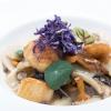 Gnocchidi riso saltati con funghi misti, capesante e patate violadiKeisuke Koga(foto Aromicreativi)