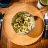 Ceviche di banana e olio di alghe kelp