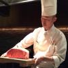 Lo chef del teppanyiaki, la spettacolare griglia di Kobe Plaisir