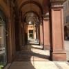 I porticati di Modena, 186mila abitanti e 3 ristoranti con almeno una stella Michelin:Hostaria del Mare (1),Erba del Re (1) eOsteria Francescana (3 stelle), cui siamo diretti