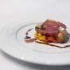 Filetto di maiale cotto a bassa temperatura, filetti di peperoni, origano, aceto balsamico e prosciutto di Parma croccante (Giovanni Sandri)