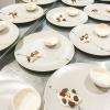 Già Rotta, il dessert di Viviana Varese: meringa con spuma di zabaione, vellutata di mandorla, mandorle croccanti, gelato al caffè, cioccolato amaro e pepe timut