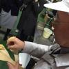A tavola, l'impiego del miso non è limitato, come crediamo in Italia, alla sola zuppa in apertura del pasto (o alla fine delle maratone: gli atleti la bevono subito per sciogliere i muscoli induriti dai chilometri): la letteratura gastronomica giapponese abbonda di marinature di carne e pesce e dessert