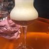 Arriva il calice col Consommé freddo di ceciche rimane spumoso in cima e, sotto, il brodo caldo di jamon iberico (vedi prima slide)