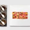 Carpaccio di manzo con 3 tipi di salsa di soia stagionata, caviale e insalata di fiori