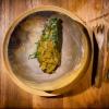 Il mole di Rosio (Sanchez, storica pasticciera messicana del Noma, ndr) con capesante disidratate e hoja santa grigliata