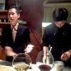Jinmo Jang, 30 anni, e il suo sous chef ByeongCheol Mun, 21 anni. La cucina di AND parte da una base coreana ma poi spazia in tutto il mondo, con richiami alla Nordic Cuisine e ampie parentesi anche al tecno-emozionale di stampo spagnolo (sifoni, maltodestrine, eccetera)