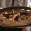 Polpo alla piastra su emulsione di nocciole dell'Etna, gnocchetti di barbabietola al Mielarò, finocchietto e salsa ai ricci di mare di Bianca Celano