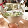 Girini: briciole di pasta, germogli, asparago selvatico, fiori di salvia selvatica e aglio orsino, sclopit e pomodoro. Delizia