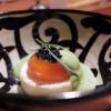 Ultimo piatto del Tris, riuscitissimo, sono le Uova ripiene: tuorlo d'uovo marinato a freddo, marshmellow al finocchietto, yogurt di erbette, finocchietto marino, perlage al tartufo