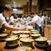 La preparazione delle noci di cocco