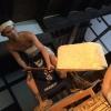 Un bel museo su più piani riproduce la storia del sakè e tutti i passaggi di produzione. Il primo passaggio è il lavaggio (senmai): il riso raccolto viene lavato