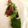 Quaglia arrostita, marinata nel succo di more, con spugna alla cicoria, lime, zenzero e paté di fegatini