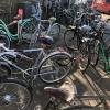 La bici accatastate fuori dal Noma. E' il mezzo preferito di quasitutti i dipendenti e stagisti