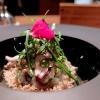 Calamarocotto e crudo (la testa marinata nell'olio di cedro, i ciuffetti fritti), sabbia di pane,cedro, rucola al wasabi e maionese di plancton