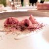 Agnolotto di coniglio alla cacciatora, crema di Parmigiano, salsa al rosmarino, olive nere e pomodoro