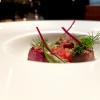 Ci si riavvicina al Piemonte:Lingua di vitello in lenta cottura, salsa all'antipasto piemontese, cuore di pomodoro, peperoni & katsuobushi di tonno.L'abbinamento è con un Crodino al Porto