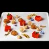 Mario Gagliardi: Dolce, salato, aspro Ci si aspettava di più da un cuoco in forza al CascinaleNuovo dei fratelli Ferretto a Isola d'Asti nell'Astigiano, telefono +39.0141.958166. Di certo il giovane Mario Gagliardi ha messo nei due piatti la sua terra, andando anche oltre il tema per via del miele d'acacia in questa tavolozza di sapori e colori intitolata Dolce, salato, aspro, amaro in Piemonte. Tante cose, tanta volontà ma anche tanto da limare e correggere.