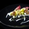 La proposta diJosko SirkeAlessandro Gavagna, deLa SubidadiCormons (Gorizia), sempre per la nostra inchiesta sui piatti 2016:Il Friuli e le sue radici. «La Rosa di Gorizia, i petali croccanti, le radici bagnate dall'aceto d'uva e dal miele di marasca; la brovada, appena fermentata; il topinambur, il cuore al dente, la buccia croccante; il kren, morbido nello yogurt naturale; i ciccioli di cinghiale, per il gioco dei sapori. Quindi: la Rosa di Gorizia, la brovada, il kren, il topinambur, tutti frutti della terra ancorati alle nostre radici, usati in modo alternativo per costruire un piatto vegetariano, più che di gusto, di filosofia. Infine c'è il cinghiale, ultimo anello della catena, colui che in natura di tutto quanto soprasi ciba – fotoSergio Coimbra