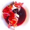 Antonia Klugmann, L'Argine, Dolegna del Collio (Gorizia)  Rosa di Gorizia, cervo, polline e brodo di mirtilli -E' tutto quasi crudo nel piatto… L'ingrediente più cotto è il mirtillo!