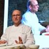 """Heinz Beck,La Pergoladel Rome Cavalieri, Roma, 3 stelle Michelin,ha preparato """"Fontana o Pomodoro?"""": pomodoro, tonno fresco, semi di chia, capperi e chinoa soffiata. Un piatto concettuale, ispirato ai due grandi artisti evocati nel titolo"""