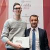 Il miglior chef pasticciere:Igor Maiellano, direttore venditediValrhona, premia Ascanio Brozzetti deLe Calandre – Rubano (Padova)
